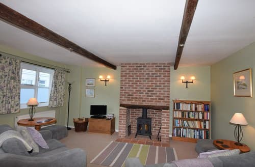Last Minute Cottages - Lovely Norwich Cottage S37691