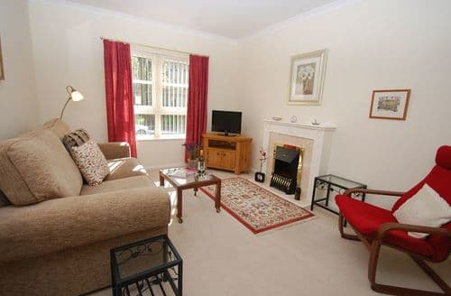 Last Minute Cottages - Charming Edinburgh Apartment S7301