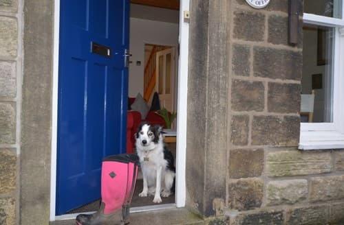 Dog Friendly Cottages - Superb High Peak Cottage S77874