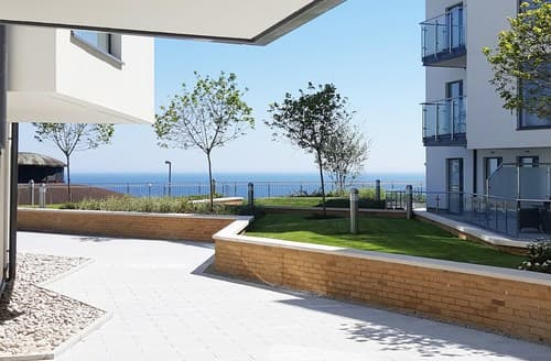 Last Minute Cottages - Luxury Bournemouth Apartment S81092