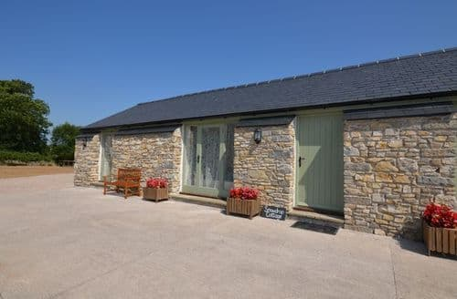 Last Minute Cottages - Cosy Cowbridge Cottage S7189