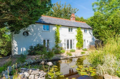 Last Minute Cottages - Stunning Totland Bay Cottage S101412