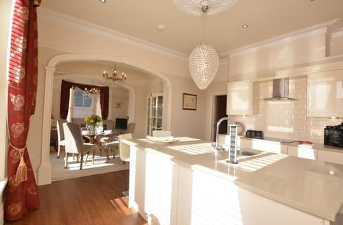 Last Minute Cottages - Superb Oswestry Apartment S94026