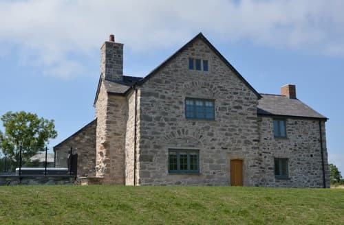 Last Minute Cottages - Lovely Denbigh House S105985