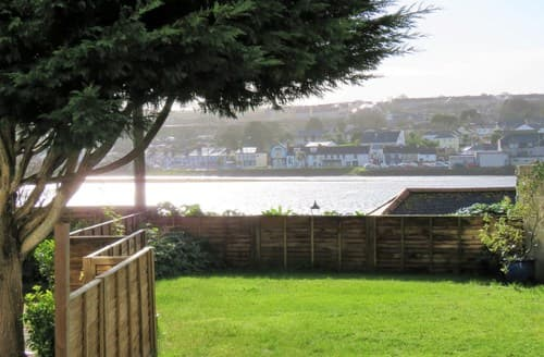 Last Minute Cottages - Captivating Hayle Apartment S50082