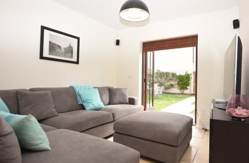 Big Cottages - Gorgeous Burry Port Apartment S79910