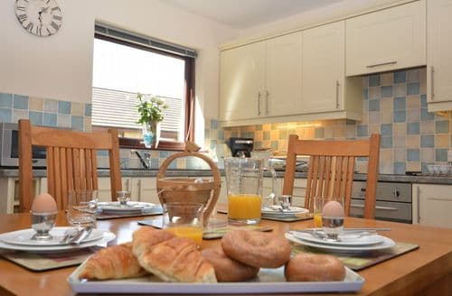 Last Minute Cottages - FCH36341