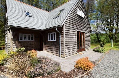 Last Minute Cottages - Splendid Camelford Log Cabin S7847