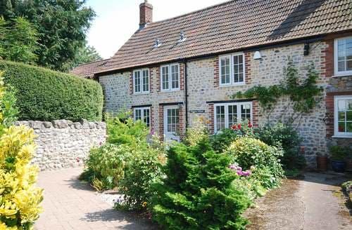 Big Cottages - Charming Chard Cottage S8480