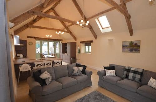 Last Minute Cottages - Delightful Bristol Barn S45238