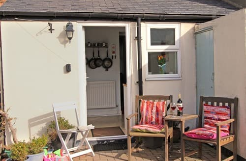 Last Minute Cottages - Beautiful Seahouses Cottage S98027