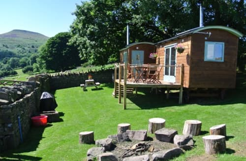 Last Minute Cottages - Exquisite Abergavenny Log Cabin S45914