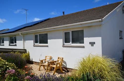 Last Minute Cottages - Lovely Bude Bungalow S41904