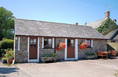 Last Minute Cottages - Stunning Holsworthy Barn S8847