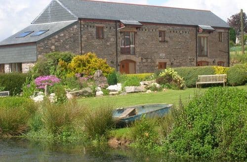 Last Minute Cottages - Wonderful Callington Barn S7773