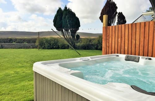Last Minute Cottages - Attractive Swansea House S85480