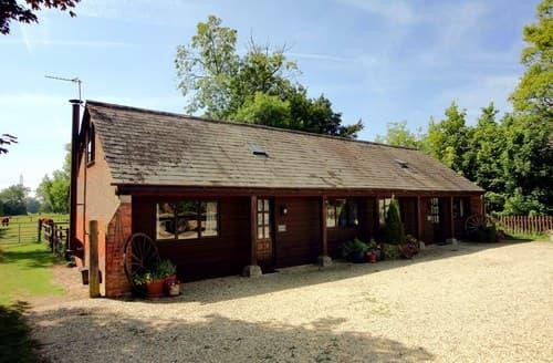 Last Minute Cottages - Quaint Witney Barn S77302