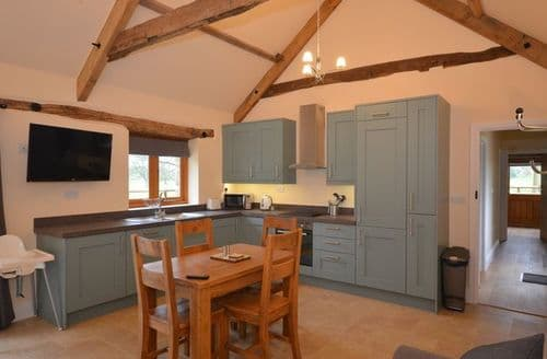Last Minute Cottages - Delightful Bristol Barn S45236