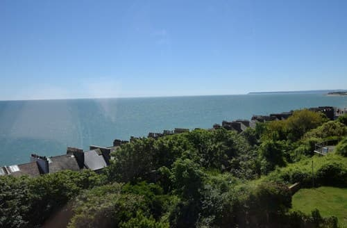 Last Minute Cottages - Quaint St. Leonards On Sea Apartment S82951