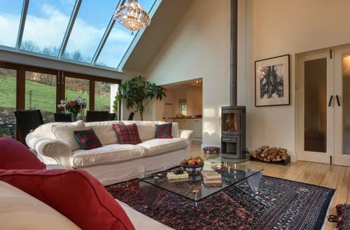 Last Minute Cottages - Gorgeous Newby Bridge Cottage S94564
