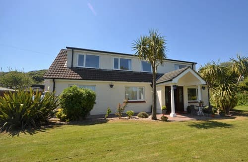 Last Minute Cottages - Luxury Tenby House S93417