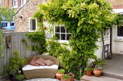 Last Minute Cottages - Attractive Whitstable Cottage S93222
