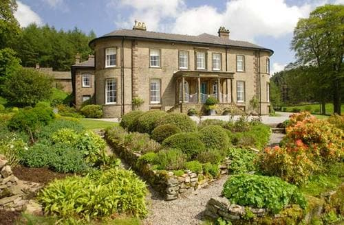 Last Minute Cottages - Crag Hall