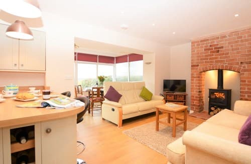 Last Minute Cottages - Lovely Shrewsbury House S42565