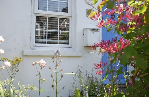Last Minute Cottages - Luxury Eastbourne Cottage S89442
