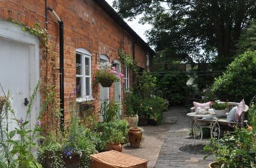 Last Minute Cottages - Charming Tewkesbury Cottage S7632