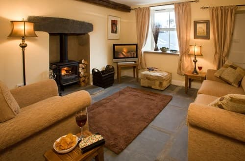 Dog Friendly Cottages - Adorable Ulverston Cottage S94546