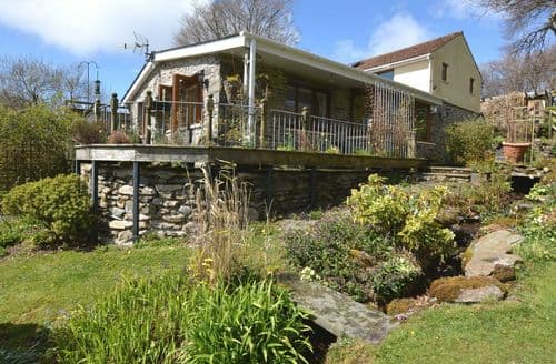 Last Minute Cottages - Gorgeous Lampeter Wing S50078