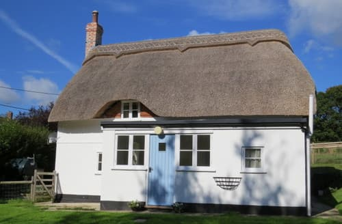 Last Minute Cottages - Adorable Romsey Cottage S13213