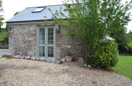 Last Minute Cottages - Wonderful Saltash Barn S101048