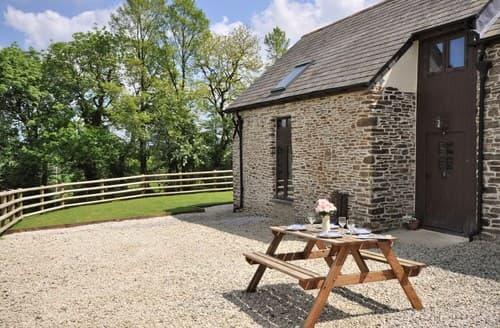Last Minute Cottages - Excellent Launceston Barn S8383