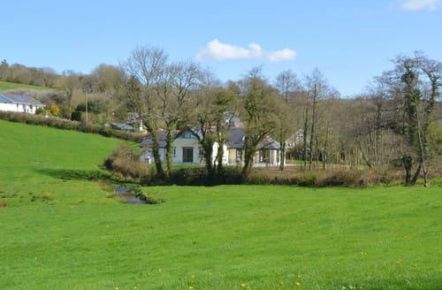 Last Minute Cottages - Wonderful Narberth House S95087