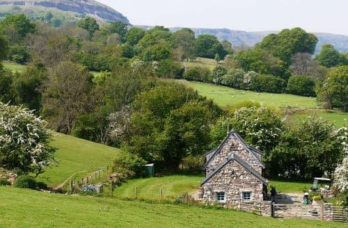 Last Minute Cottages - Cosy Crickhowell Cottage S45961