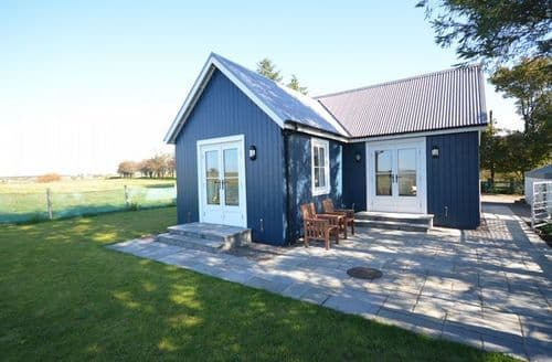Last Minute Cottages - Cosy Beith Cottage S41064
