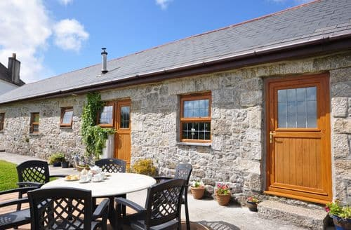 Last Minute Cottages - Inviting Falmouth Barn S8429