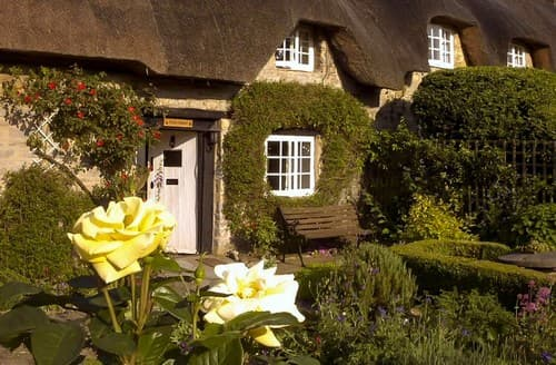 Last Minute Cottages - Beautiful Buckingham Cottage S77324