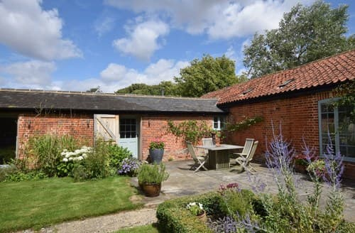 Last Minute Cottages - Gorgeous Haverhill Cottage S26227