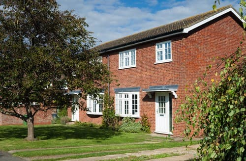 Last Minute Cottages - Charming Brancaster Staithe House S114613