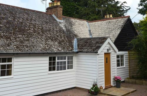 Last Minute Cottages - Tasteful Stonegate House S72528