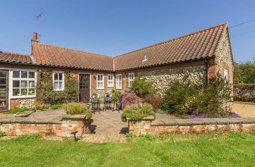 Last Minute Cottages - Exquisite Weasenham Cottage S114615