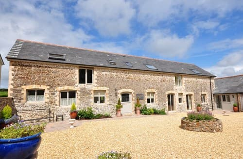 Last Minute Cottages - Delightful Bideford Barn S8007