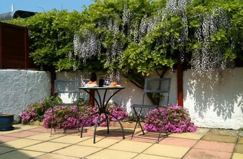 Last Minute Cottages - Beautiful Eastbourne Cottage S89403