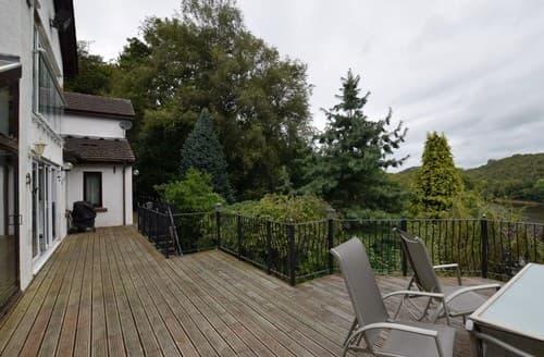 Big Cottages - Gorgeous Leek House S85316