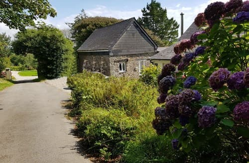 Last Minute Cottages - Quaint Bude Barn S96862