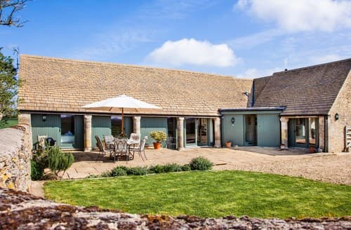 Last Minute Cottages - Inviting Cirencester Barn S95170