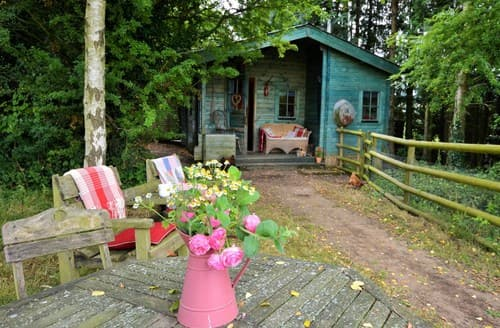 Last Minute Cottages - Splendid Hereford Log Cabin S113564